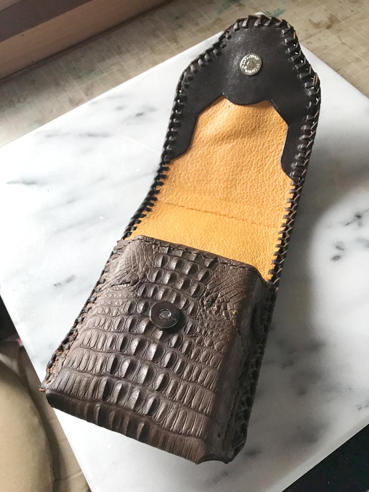 クロコダイルの携帯ケース